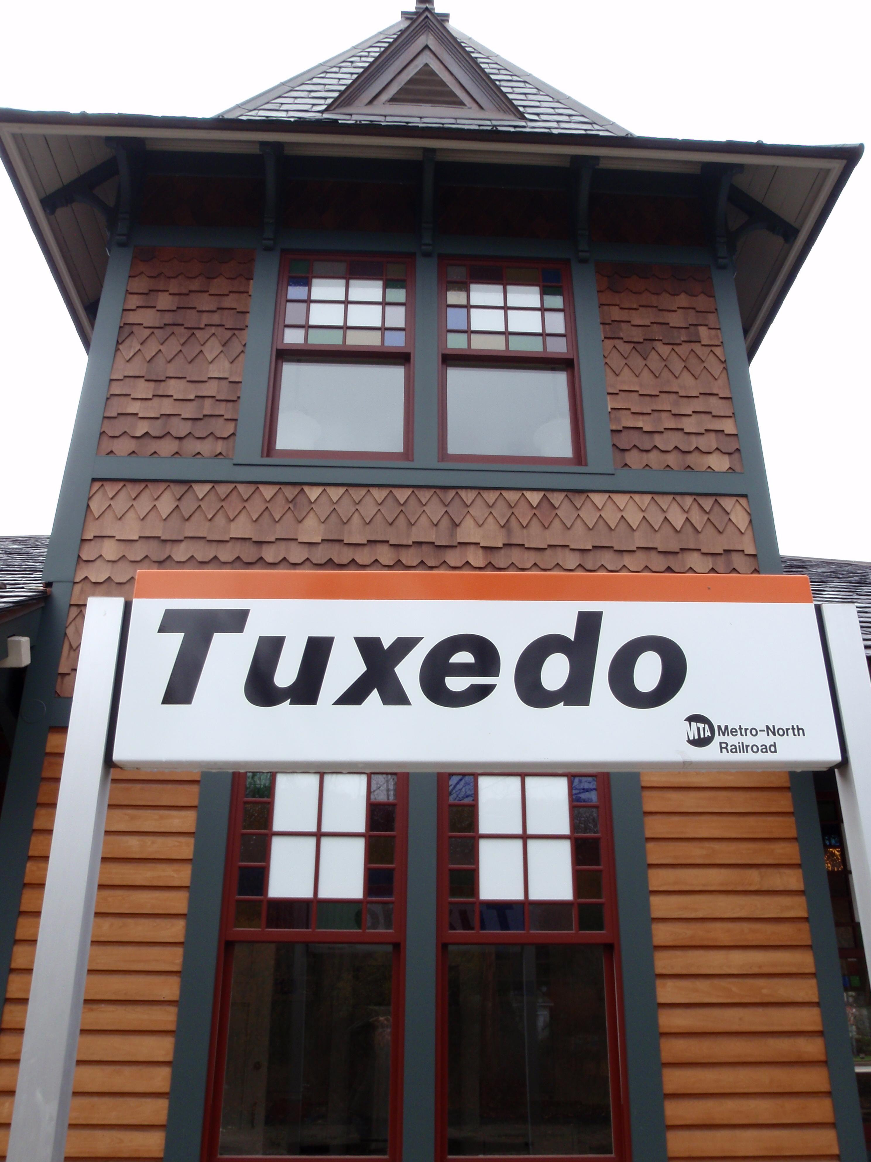 Tuxedo train stop